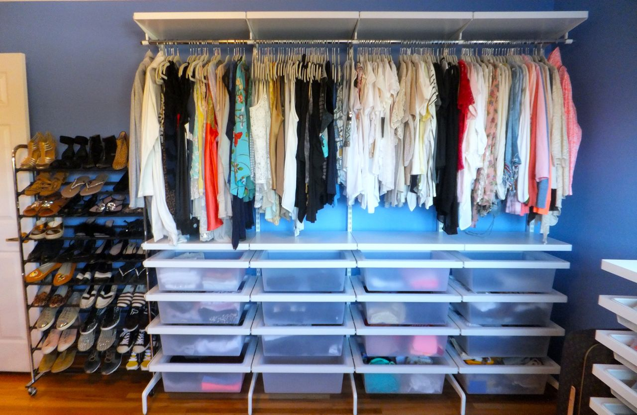 Walk in closet organizing elfa freestanding closet system for How to organize your walk in closet